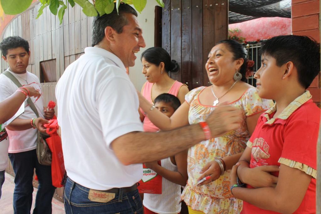 Valladolid: Gonzalo Escalante Con las caminatas está más de cerca con la gente