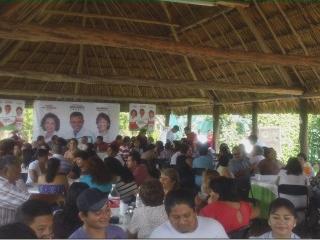 Tizimin: Chary Díaz se reúne con maestros\r\n