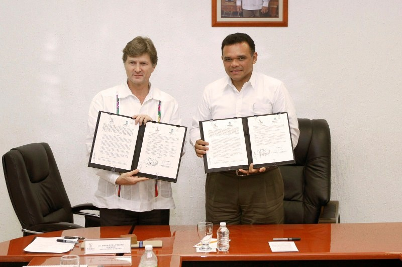 Firman convenio para favorecer a micro, pequeñas y medianas empresas