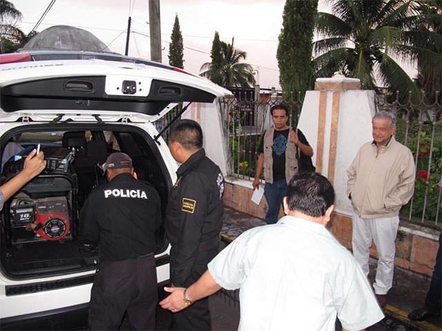 Le confiscan aparato de sonido a AMLO en Motul