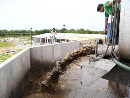 Denuncian presuntas irregularidades en planta de aguas residuales