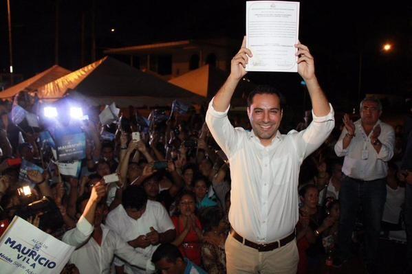 Mauricio Vila recibió su constancia de mayoría: oficialmente alcalde electo por Mérida