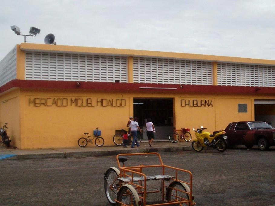 Sin drenaje ni agua en el mercado de Chuburná