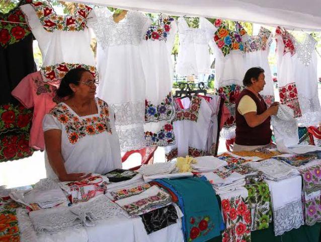 Realizan Feria Artesanal en Santa Ana