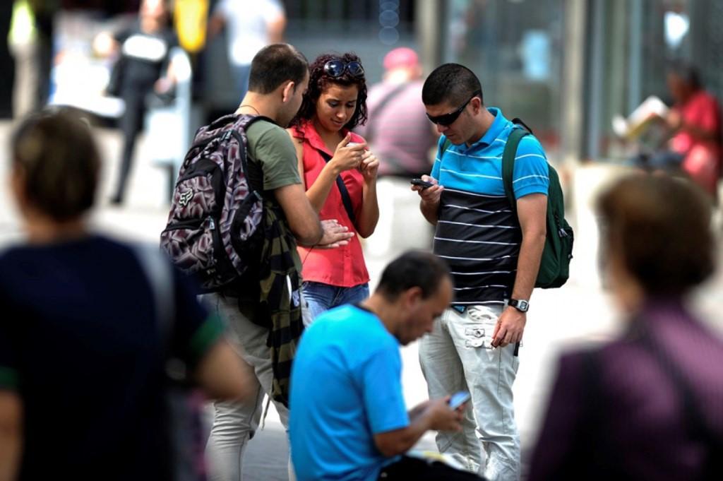 Advierten sobre mensajes en redes sociales