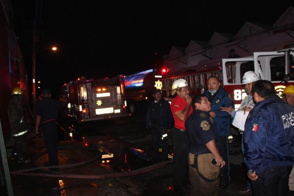 Se incendia maquiladora en el Centro