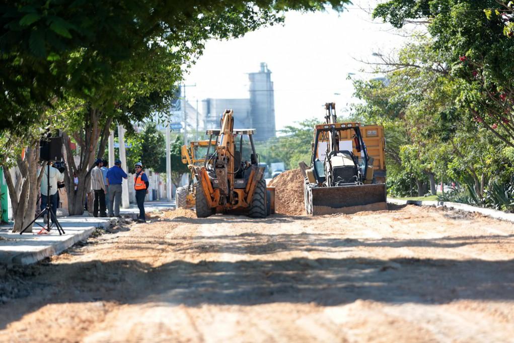 A buen ritmo pavimentación en Mérida