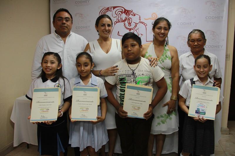 Premian a ganadores de cuento literario infantil