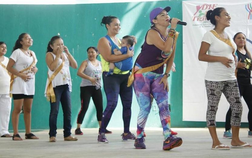 Mamás de Tizimín participan en Semana Mundial de la Lactancia Materna