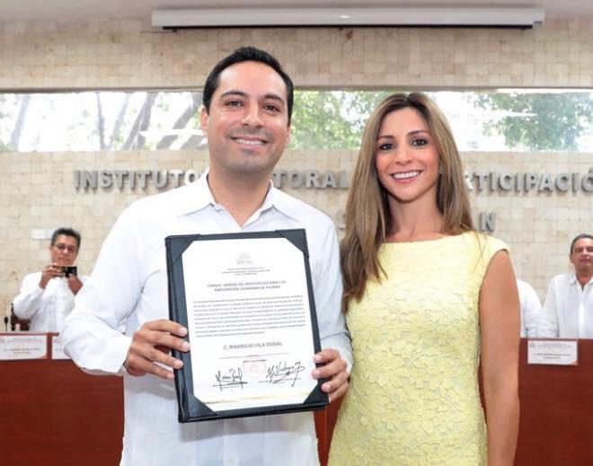Mauricio Vila recibe su acta de mayoría