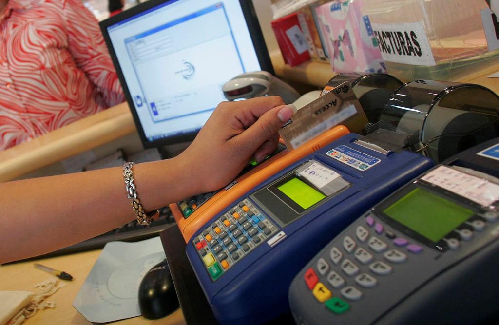 Evite fraudes al utilizar sus tarjetas