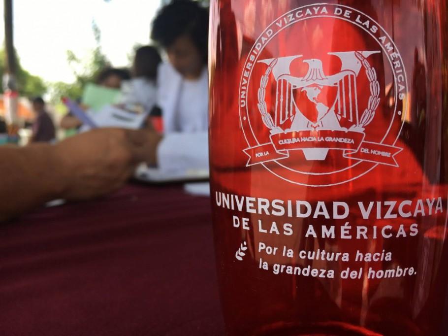 Universidad Vizcaya firma convenio con la Confederación de Abogados