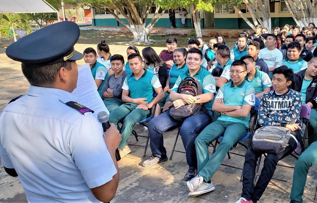Promueven licenciaturas militares en el Cobay Muna