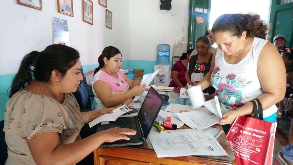 Reciben documentos para acciones de vivienda, en Sucilá