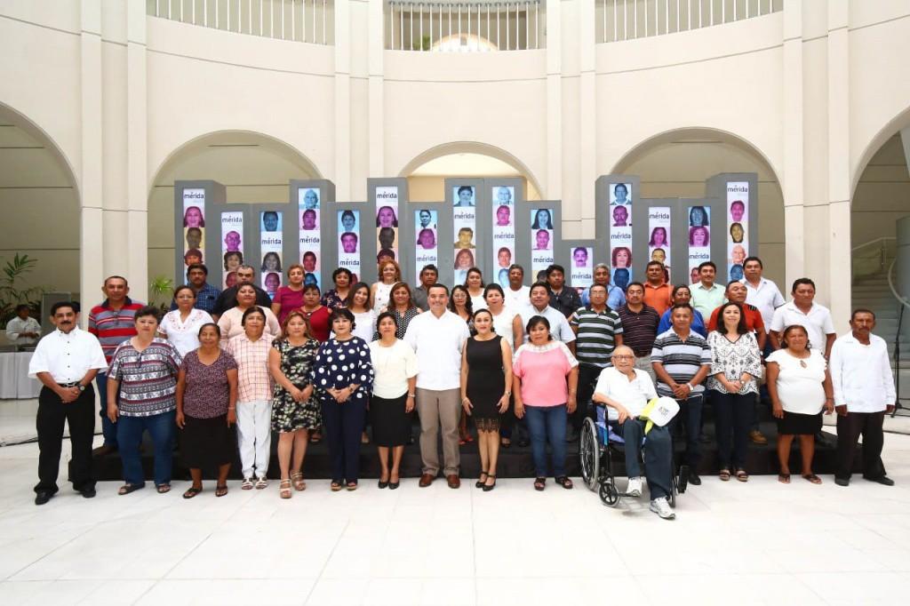 Celebran el Día del Empleado Municipal en Mérida