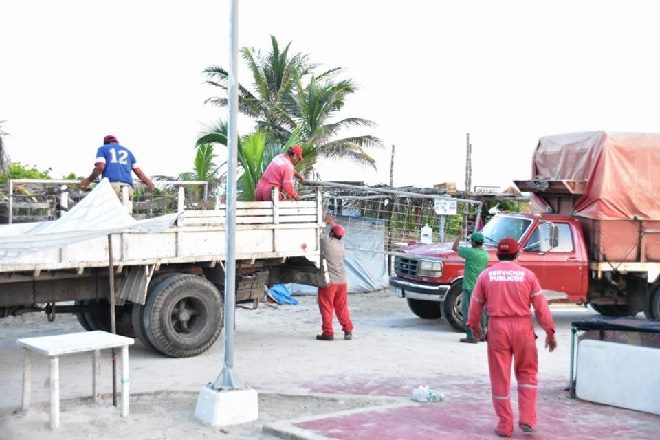 Después del Cuyo Beach Festival, limpian el puerto