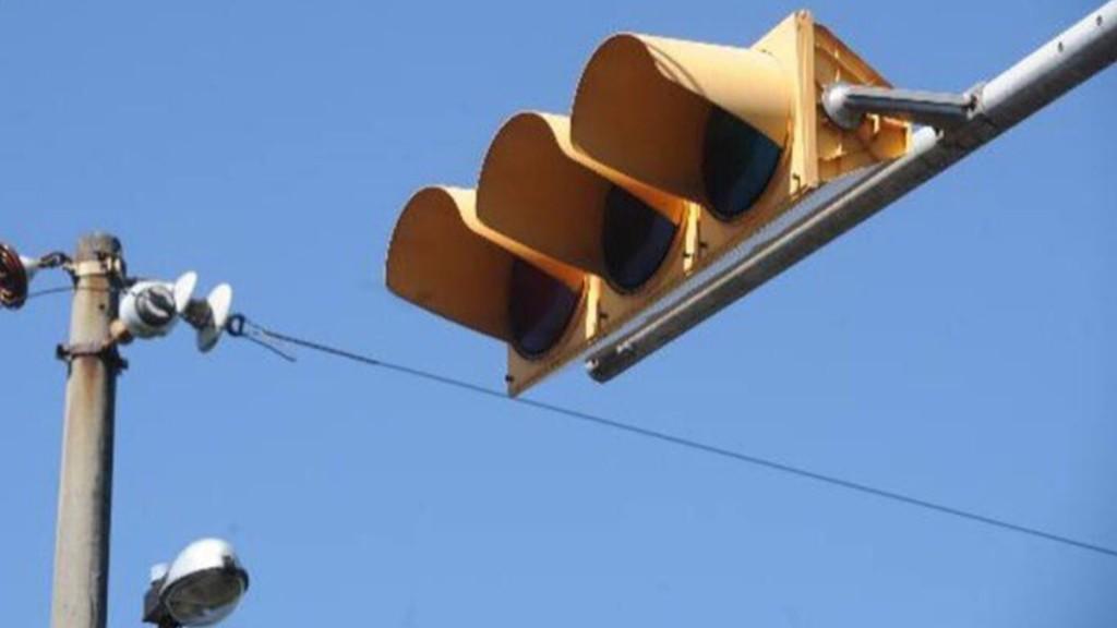 ¿Qué hacer cuando un semáforo no funciona?