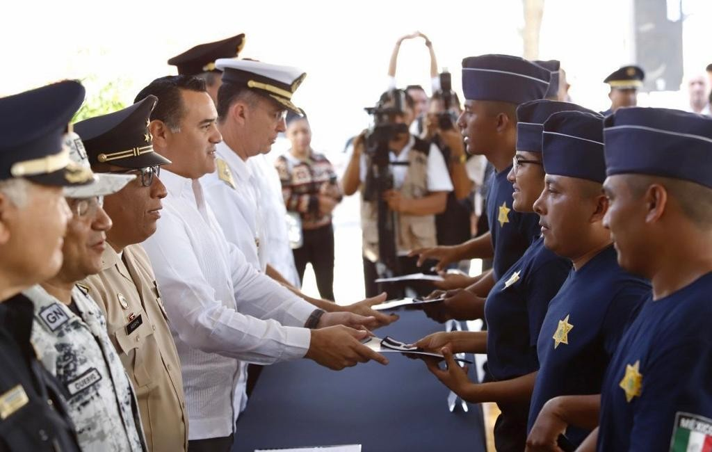 Se gradúa la 9ª generación de la Policía de Mérida
