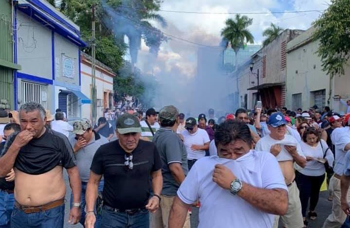 Tres detenidos y un policía suspendido tras protestas por el Informe de Vila