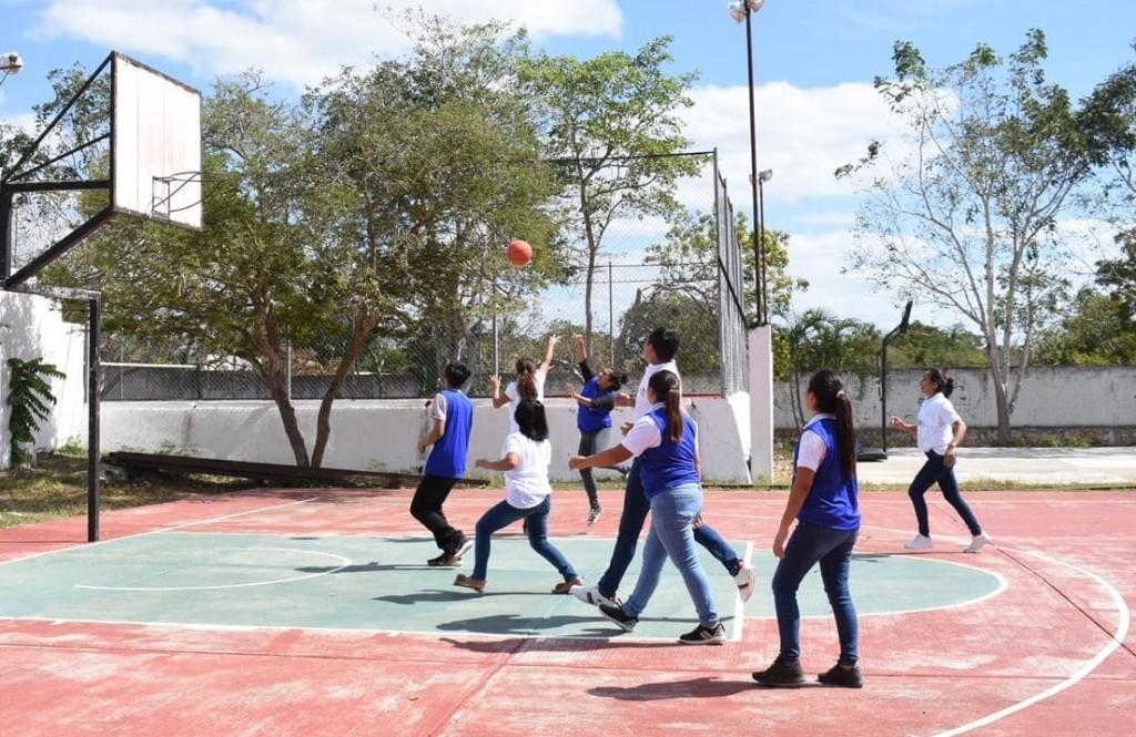Conafe inaugura primeros juegos deportivos de la región oriente