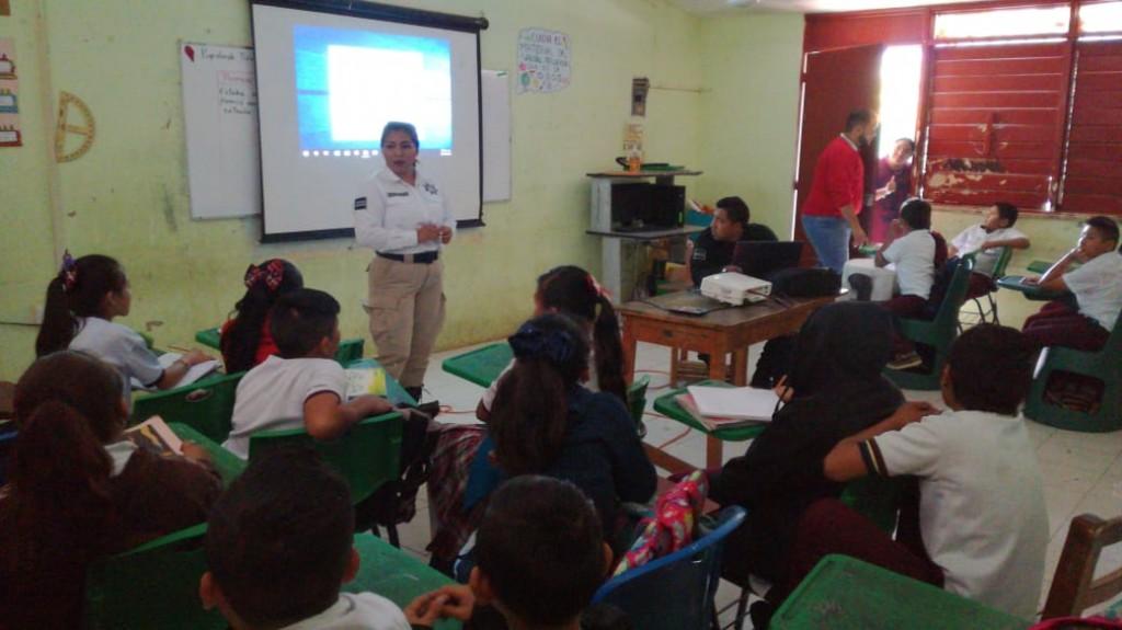 Policía de Tizimín concientiza sobre educación vial