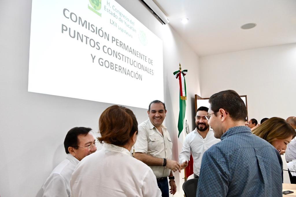 Aprueban, en Comisión, contar con personal mayahablante en áreas de primer contacto