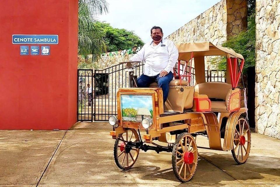 """La """"calesa motorizada"""", innovador atractivo en Motul"""
