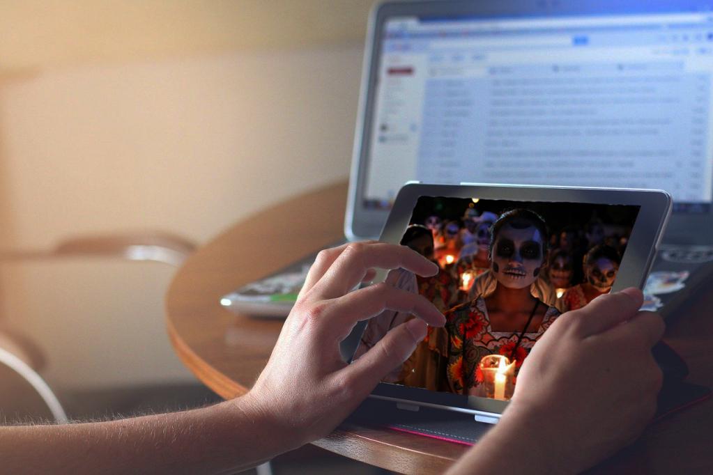 """Celebran a los fieles difuntos con """"cartelera virtual"""""""