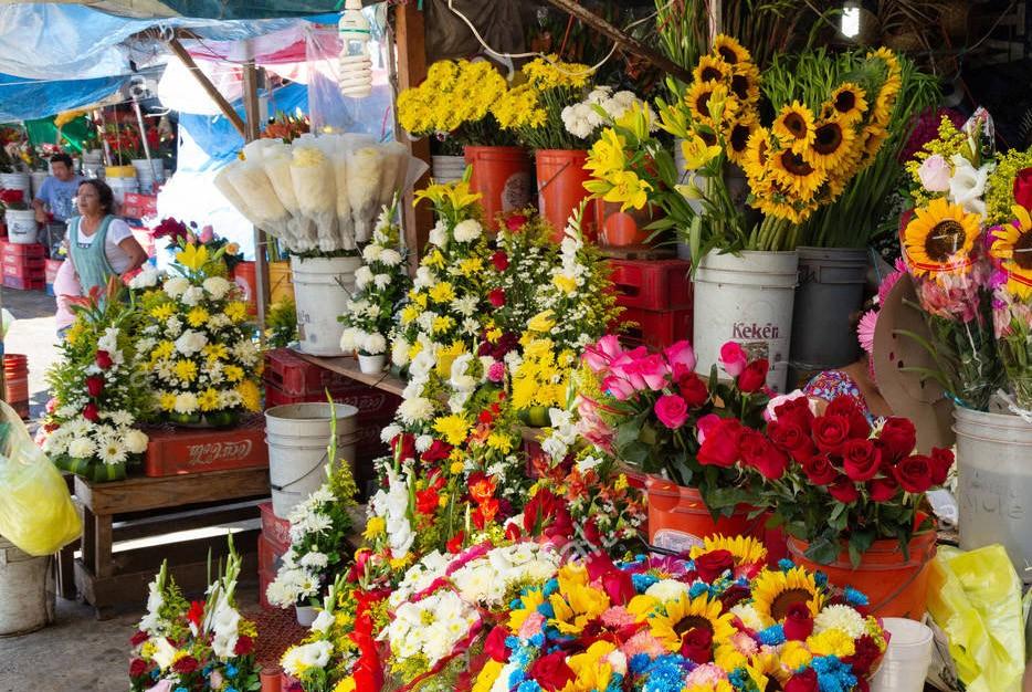 Vendedores de flores esperan repunte en ventas