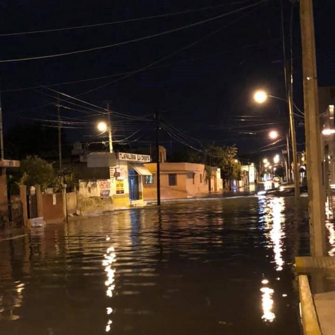 También hay inundaciones en casas del centro de Mérida