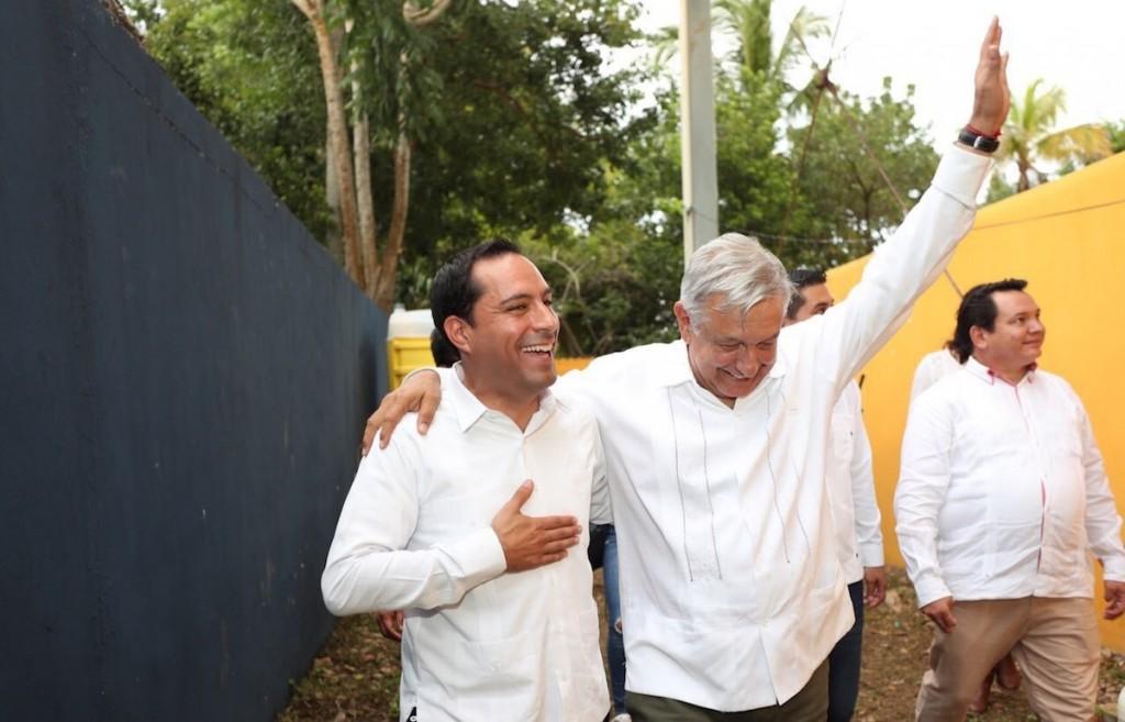 """""""Menos de la mitad  de los yucatecos aprueba el trabajo de AMLO…"""", Mitofsky"""