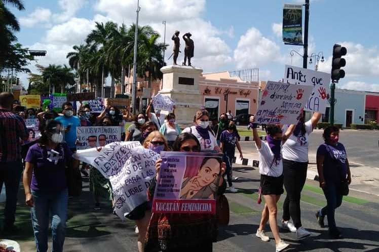 Mujeres se manifestaron en Paseo de Montejo