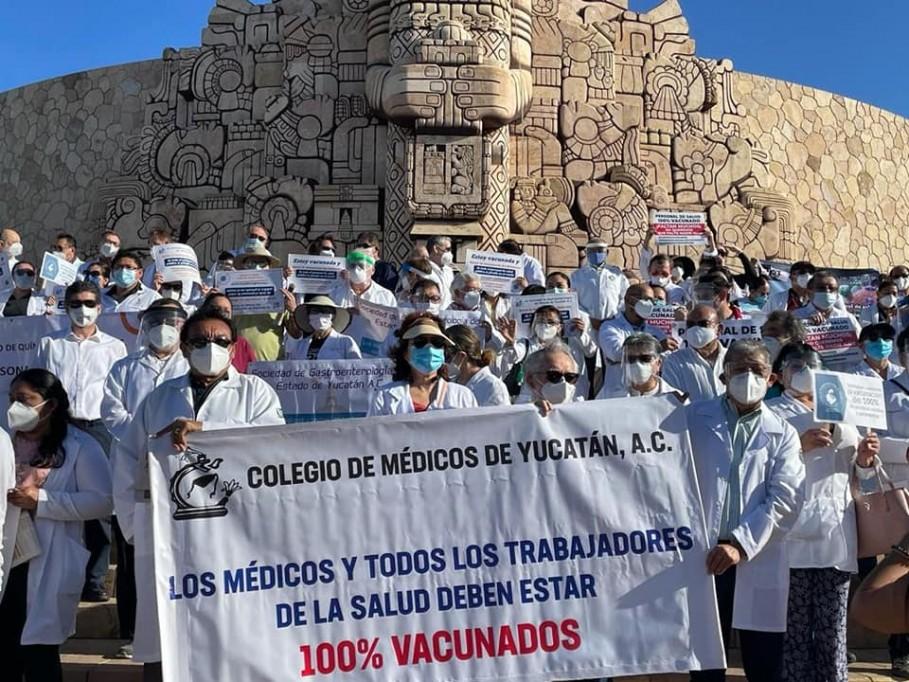 Médicos particulares siguen sin ser vacunados en Yucatán