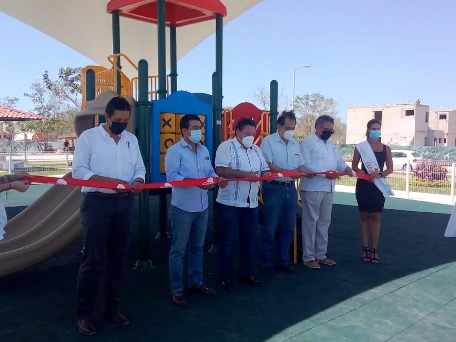 Los vecinos de paseos de Tixcacal ya contarán con un parque infantil