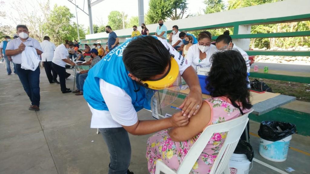 Abren sede de vacunación contra coronavirus en Sucilá