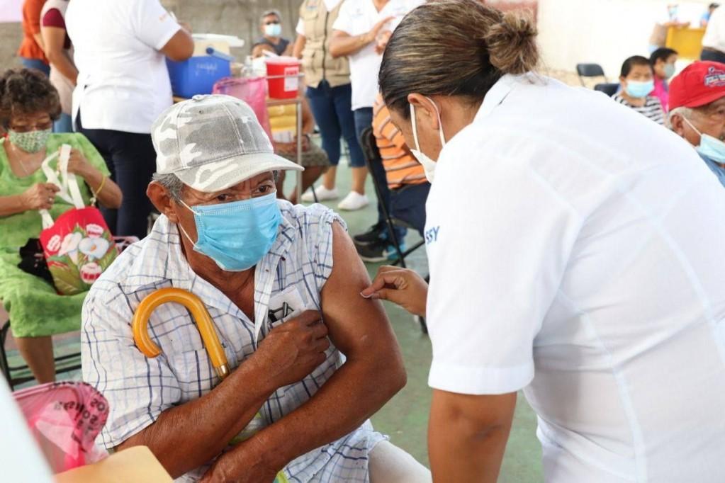 27 municipios de Yucatán ya cumplieron con el proceso de vacunación a los Adultos Mayores
