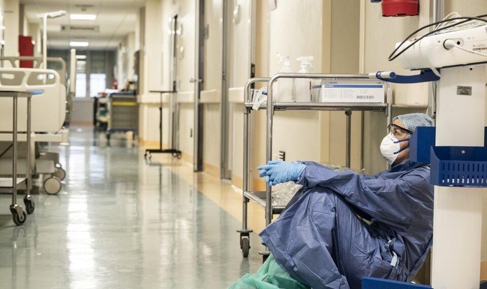 Disminuyen contagios de Covid-19 entre personal de Salud