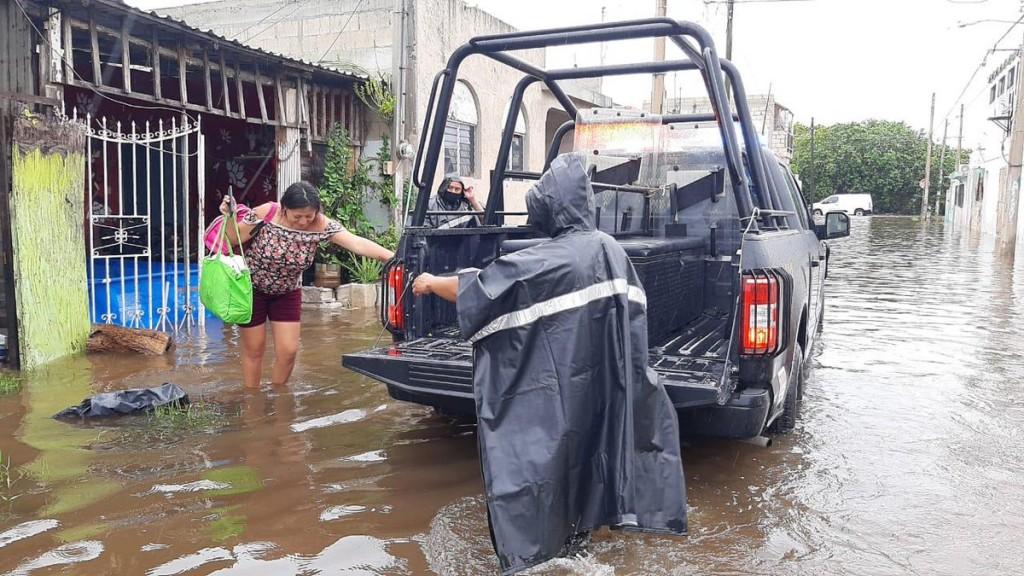 Lluvias amenazan a los habitantes de la Ciénega 2000 en Progreso