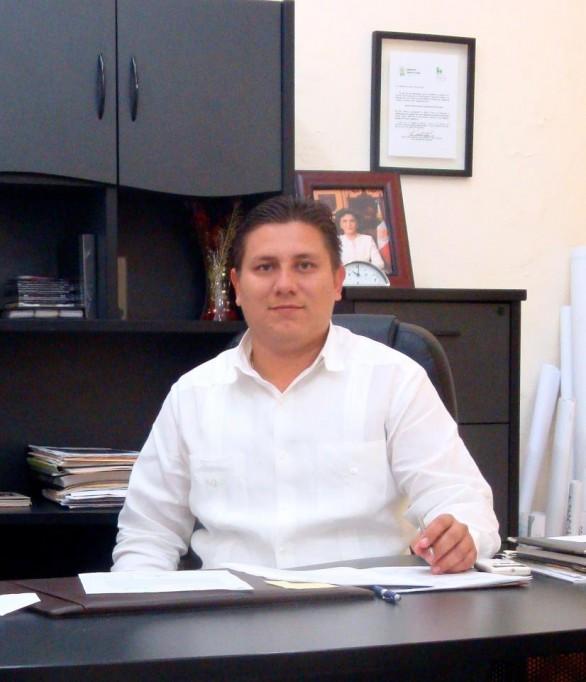 Valdés Ceh aclara dudas sobre el atraso de becas escolares