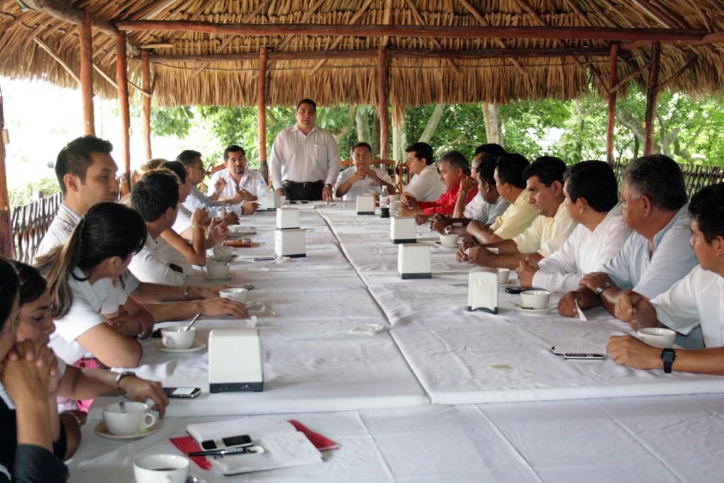 Valladolid: Reunión con directores que conforman la actual administración